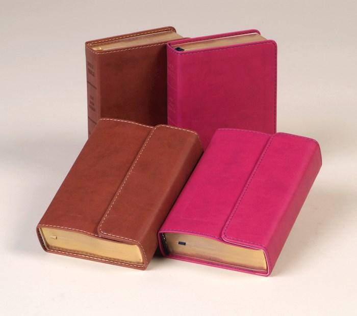 KJV Large Print Compact Reference Bible-Espresso Flexisoft w/Magnetic Flap (Value Price)   SHOPtheWORD